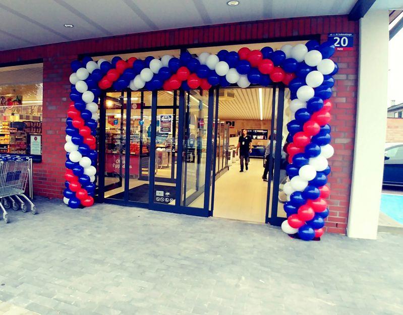 Brama balonowa na otwarcie sklepu ALDI.